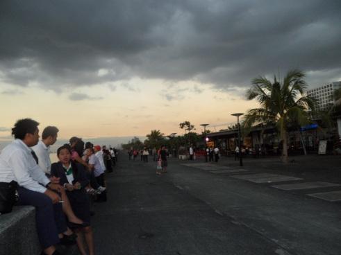 larawan ng tabing-dagat ng Maynila sa dapithapon